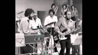 A la memoria del muerto - Salsa Colombiana - Victor Kiswell Archives