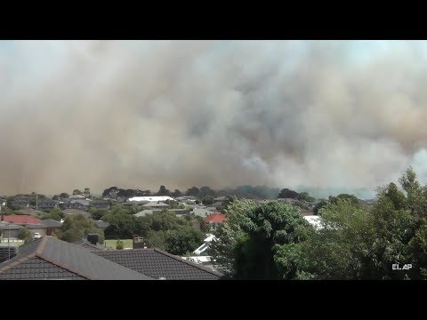Melbourne, Victoria  -  6 Jan 2018 Fire at Carrum Downs