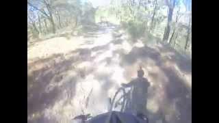 Toboganes, Bosque de la Primavera, Jalisco , Mexico. Bicicleta de montaña, downhill