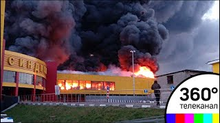"""Следователи устанавливают причины пожара, уничтожившего """"Синдику"""""""