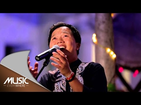 Shandy Sondoro - Persembahan Untukmu (Live at Music Everywhere) *