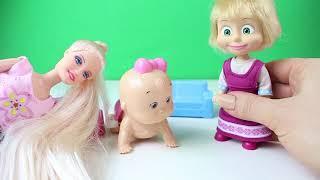 Barbie Temizlik Yapıyor Maşa Barbienin Bebeğine Bakıyor Eğlenceli Çizgi Film