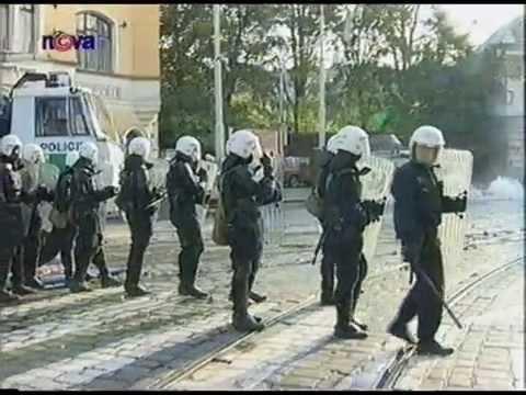 Protesty proti zasedání MMF 2000   Nova