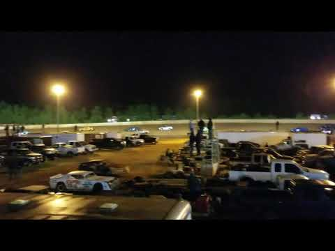 Lancaster Motor Speedway Extreme 4 (11/17/18) Just the first few laps.