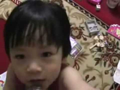 Hồng Bì hát Con cò bé bé (béo béo)