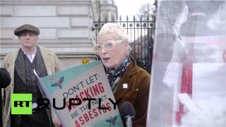 Uk: Vivienne Westwood Plants 'asbestos' Outside Downing Street