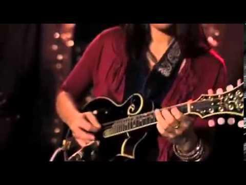 """Whiskey for Breakfast"" (Acoustic) - Marie Miller Live in Studio"
