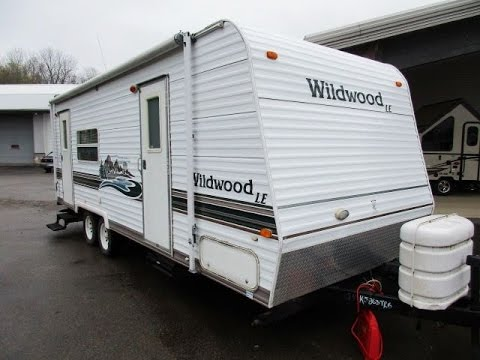 HaylettRV.com - 2004 Wildwood 25RKS Rear Kitchen Used Travel Trailer by Forest River RV