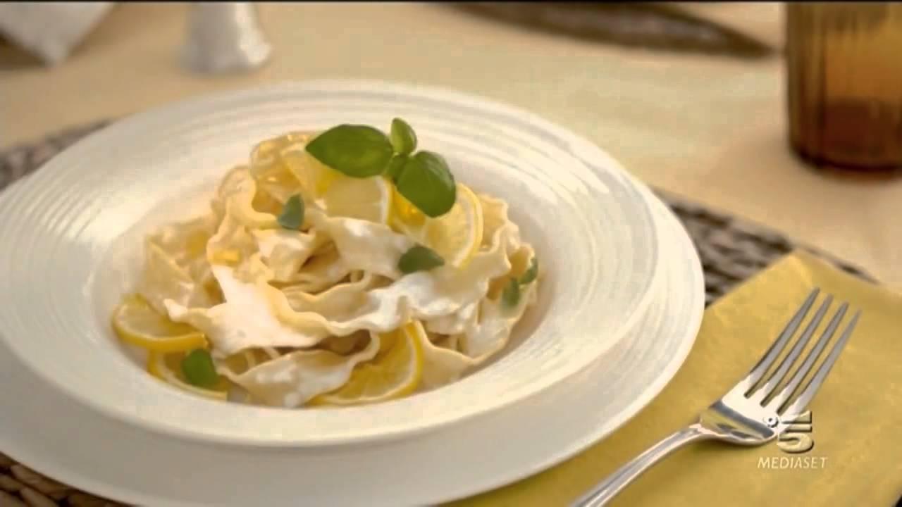 Panna da cucina Chef spot 2015 - YouTube