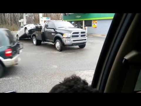 Dude gets his car repossessed in Memphis,Tn
