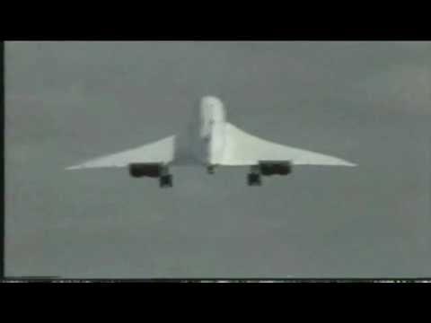 Supersonic Concorde Aircraft Crosswind Landing Causes Abort