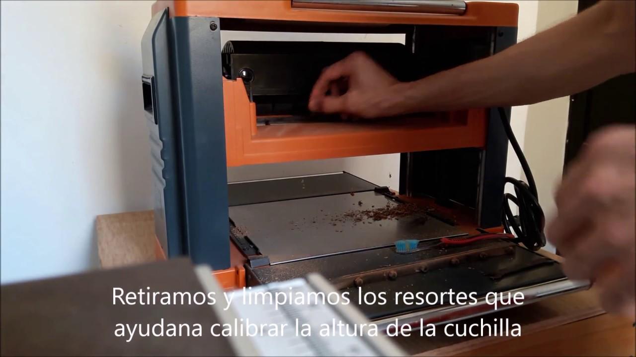 Cambio de Cuchillas Cepillo 12 Pulg Parte 1 - YouTube 765f3b636aa8