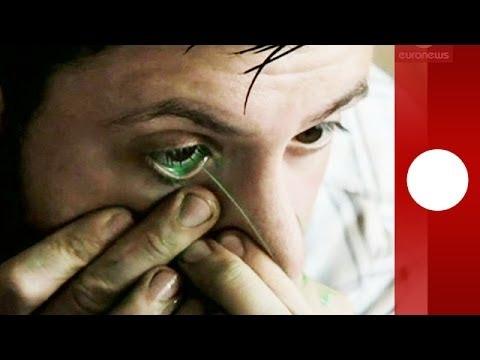 Insolite: un artiste argentin peint avec ses larmes