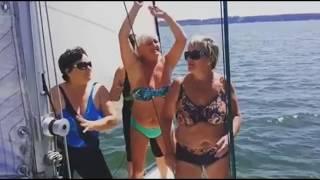 Мама Ольги Бузовой зажигательно танцует на яхте