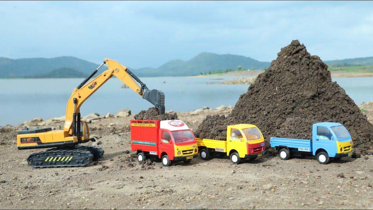 Midi Jcb Loading Black Mud And Stone Tata Ace   Mini Ace Stuck in Pit Help By Jcb   Pickup   CS Toy