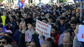 Moldova, rupta in doua cu forta (de) PSD Filmul mitingului PSD de la Iasi, sabotat de prot ...