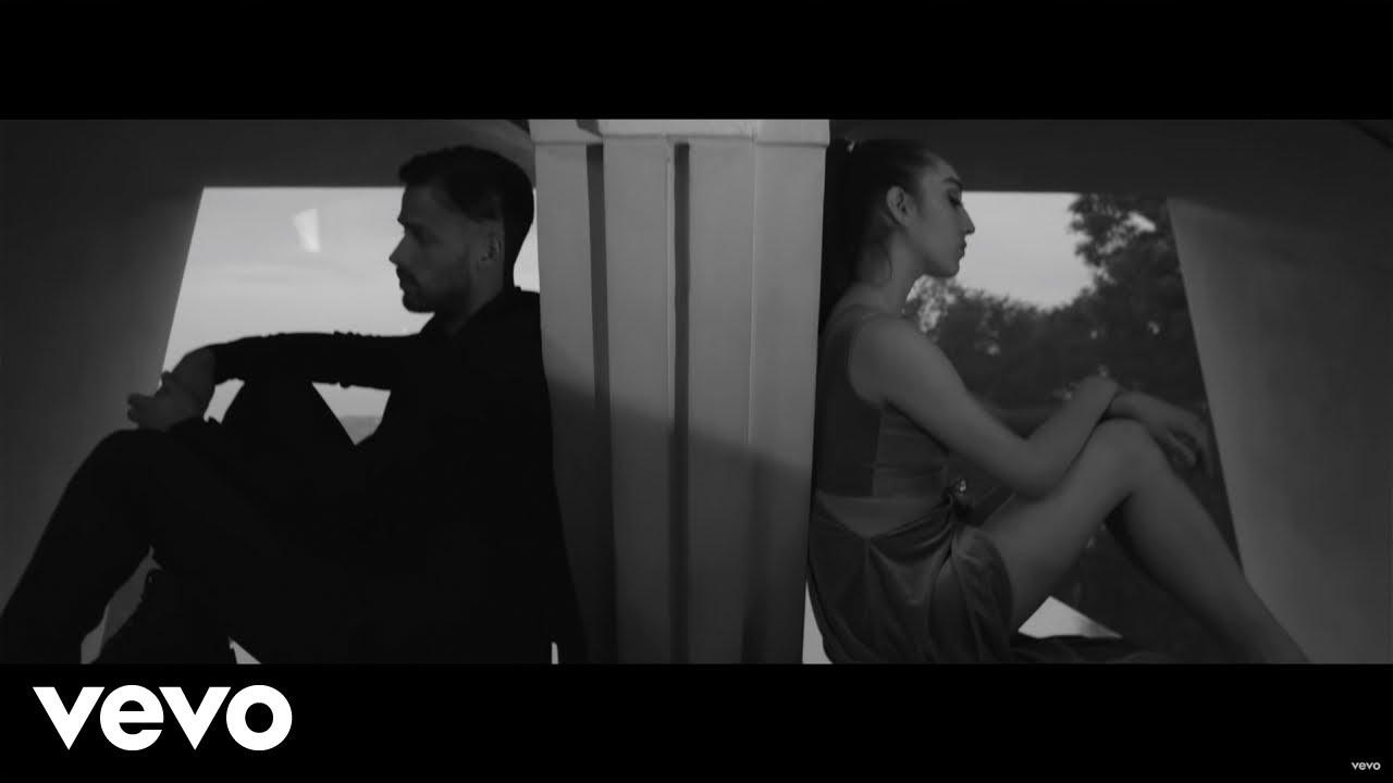 Download Reik - Voy a Olvidarte (Official Video)