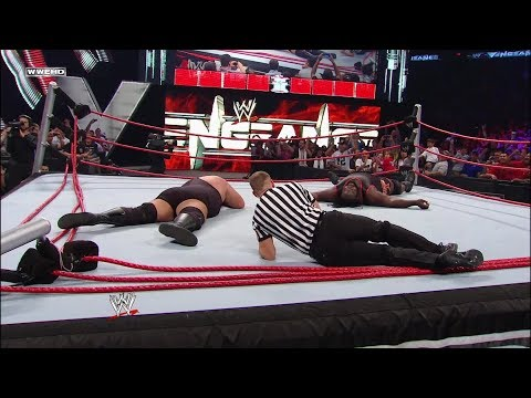 Big Show and Mark Henry obliterate the ring: World Heavyweight Championship - WWE Vengeance 2011