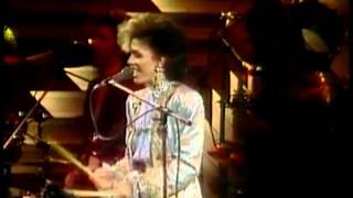 Festival de Viña 1986, Sheila E, Sister fate
