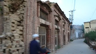 Woh Kya Hai 29 May 2016 - A house in Quetta that cannot be lived in - Express News