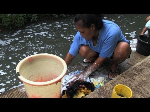 Indonesian lives risked on 'world's most polluted' river