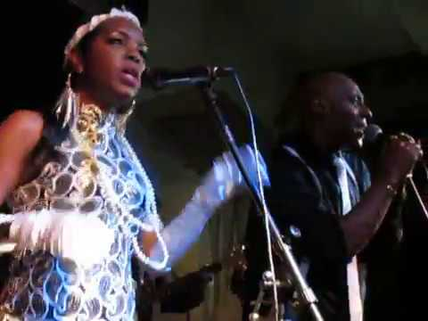 Loose Ends live in Birmingham - Slow down / Tell me what you want / Gonna make you mine