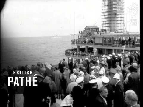 Dutch Navy Reviewed By Juliana (1961)