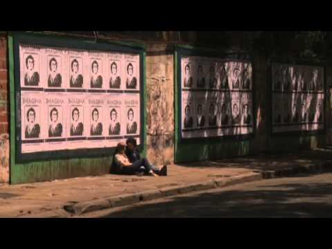 Trailer do filme Querida Vou Comprar Cigarros e Já Volto