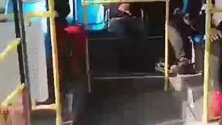 Прикол Улан-Удэ китаец в автобусе пинок девушка прикол
