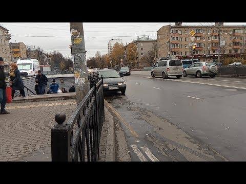 Продолжается беспредел бомбил у метро Перово VID 20181025 121206