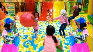 Mandi bola dan perosotan Di Playground Indoor Mall | Odong-odong mall