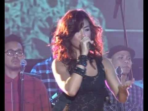 Agnes Monica - Matahariku Live in Pekanbaru 3 Desember 2011