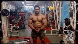 Wasim Khan shoulders and traps training