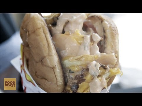 Here's What the In-N-Out 'Monkey Style' Burger Looks Like [VIDEO] | HuffPost Life