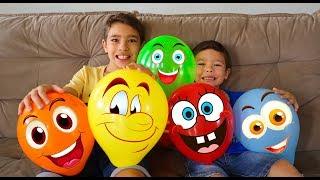 Brincando com Balões engraçados ensinando as cores em Inglês | Vídeo para crianças e família