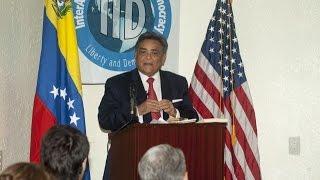 (COMPLETO) Presentación del libro «El fruto del árbol envenenado» del Dr. Carlos Ramirez Lopez