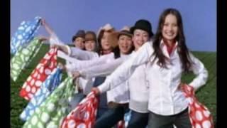 "Calbee CM ""Shopping Bag Present"" featuring Japanese Comedian Girl B..."
