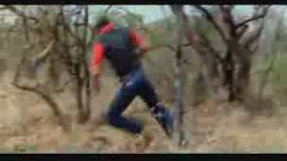 Repeat youtube video FUGINDO DO LEÃO - RUNNING OF LION ATTACK