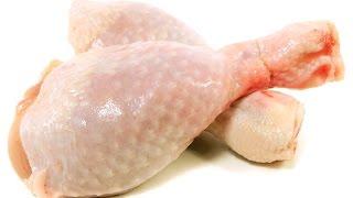 Голень куриная с картошкой. Курица с картошкой. Курица с картошкой на сковороде.