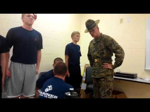 MARINE CORPS DI VS POOLEE Leatherneck Lifestyle - YouTube