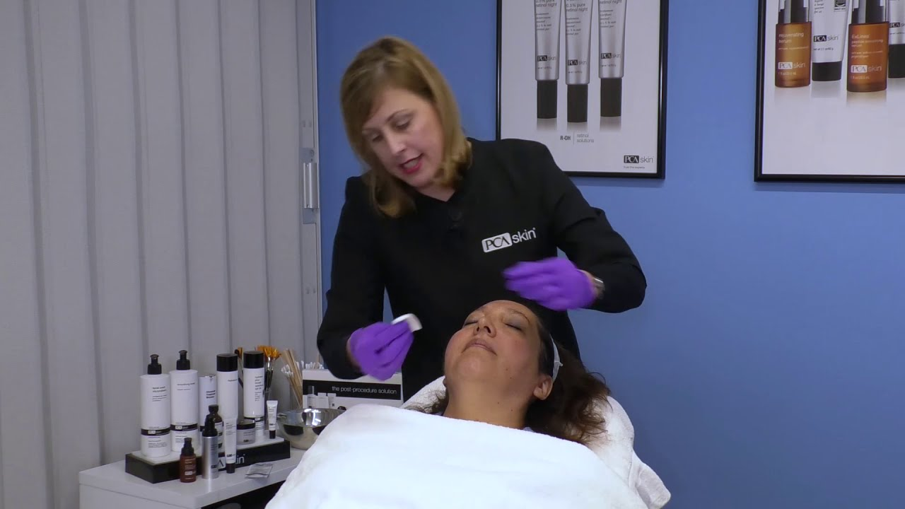 Click to open this video in a pop-up modal: Application Techniques: Sensi Peel<sup>®</sup> and 4% Pure Retinol Peel