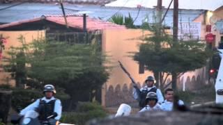 Agresión de Policia Nacional Bolivariana en Barinas. Grabate las caras!!