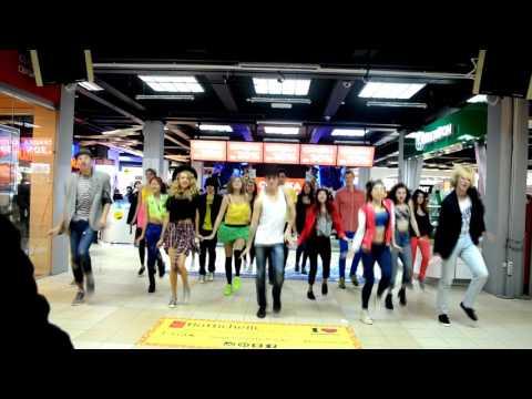 Be Free - Uptown Funk flashmob