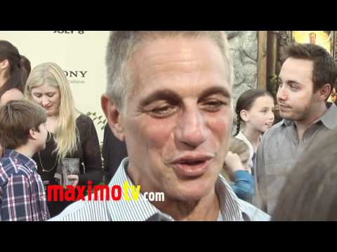 Tony Danza Interview at ZOOKEEPER World Premiere