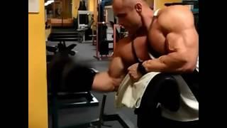 Uginanie na szczyt i poprawę kształtu bicepsow. 2017 Video