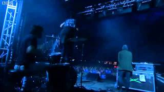 Crystal Castles - Alice Practice Live at Reading Festival 2011