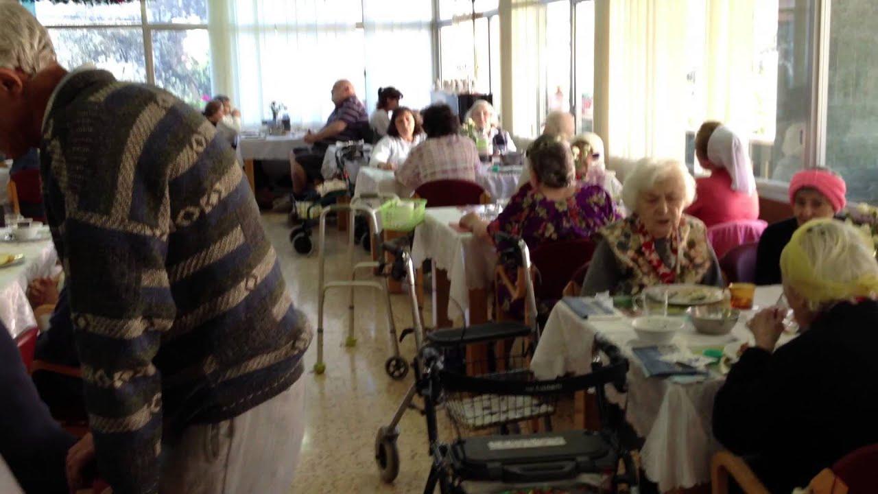 Дом престарелых в израиле работа в доме престарелых избили старика