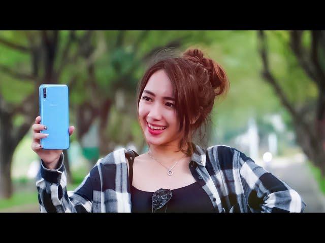 Lebih Oke Dari S10? Review Samsung Galaxy A70 !
