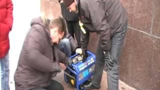 видео Бензиновые генераторы Hyundai в Барнауле. Купить по лучшим ценам бензогенераторы на PromPortal.su