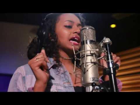 Taylor Jasmine aka Cravetay recording